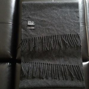 Jos A Bank 100% cashmere scarf gray